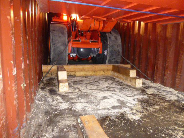 Перевозка шахтного погрузчика Sandvik LH 307