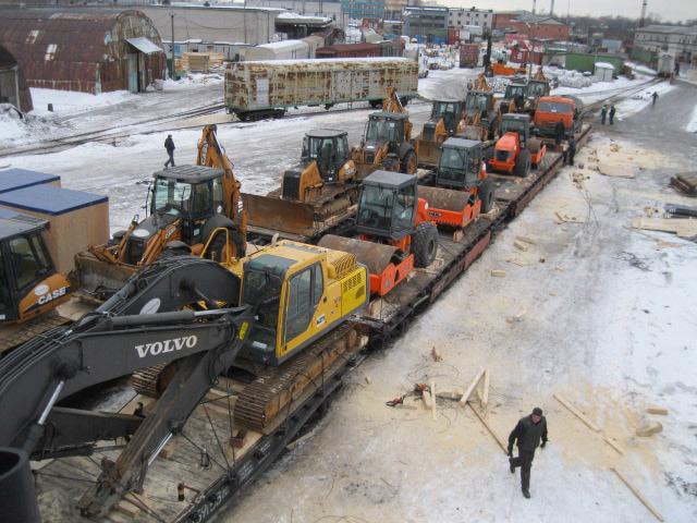 Отправка на экспорт двадцати единиц дорожно-строительной техники